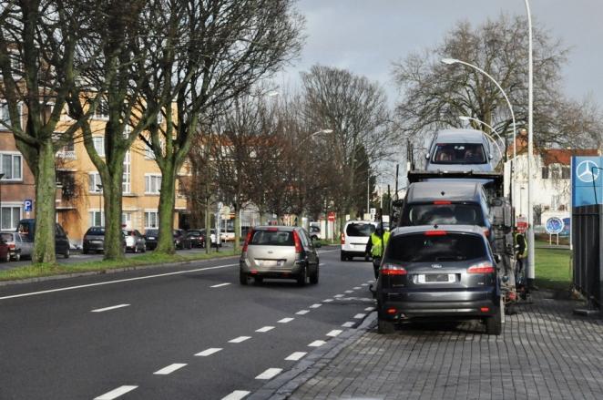 Lastbil på trottoar